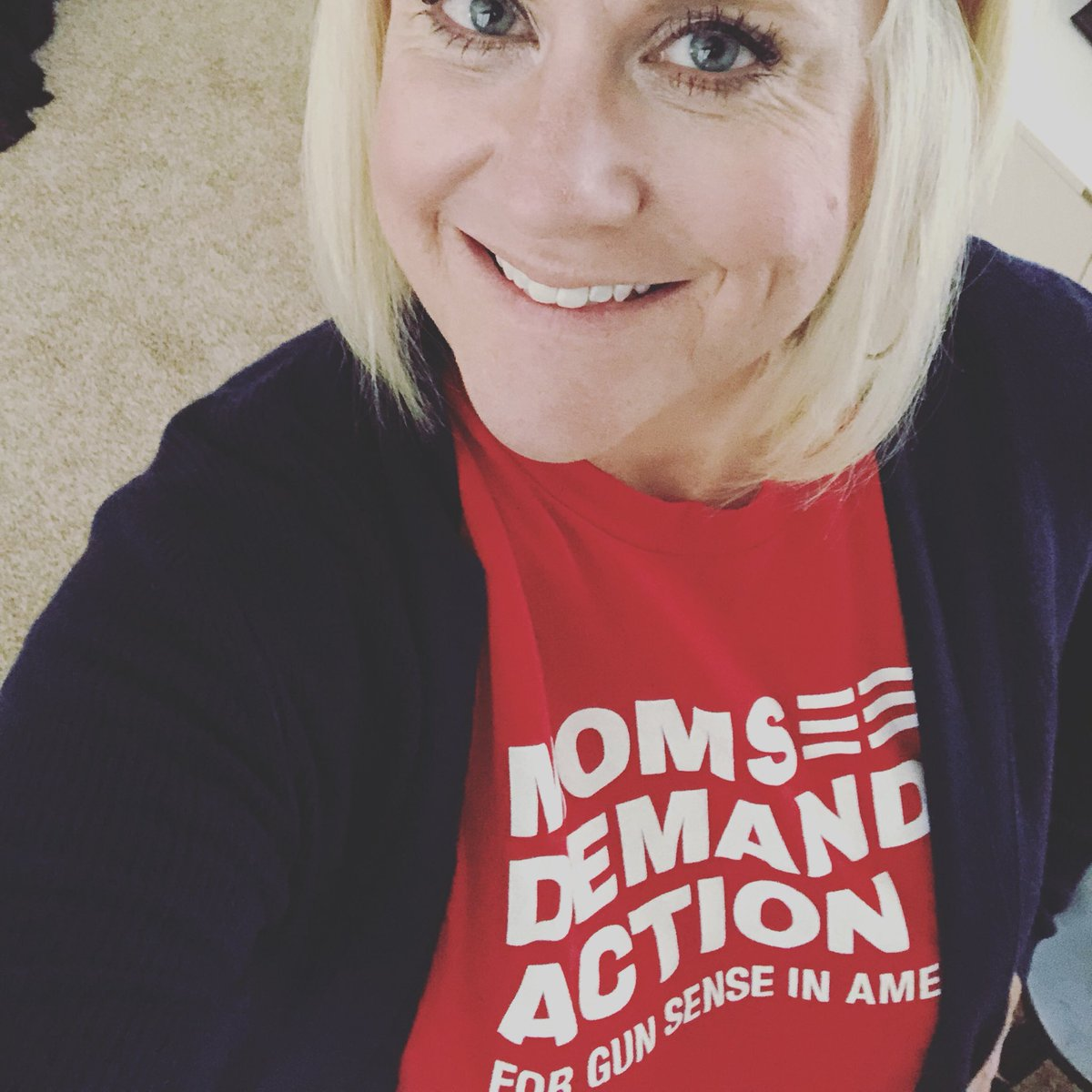 It&#39;s #TshirtTuesday and I&#39;m off to Field Registrar training to learn how to register voters in my county! @MomsDemand #ExpectUs<br>http://pic.twitter.com/NSaNbWwNPA