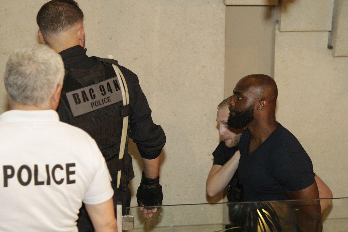 Affaire #KaarisvsBooba : les demandes de remise en liberté des rappeurs examinées à Créteil https://t.co/2ymokzqthS
