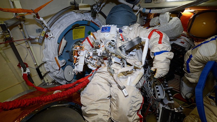 The Exp 56 crew is getting ready for a spacewalk Wednesday all while conducting space science and preparing for a pair of September spacewalks. #AskNASA https://t.co/S4vHPSjo2R