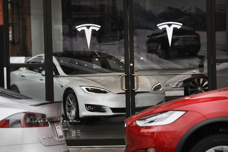 Whether Tesla goes private or stays public, here are 5 things it can do to live up to its potential: https://t.co/wQBfHW49b1