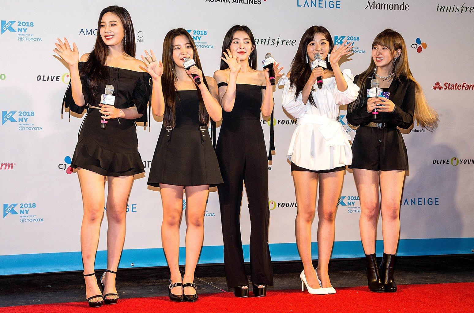Red Velvet earn best U.S. sales week to date with 'Summer Magic' https://t.co/Jh0acZlt1t https://t.co/dv44txlPk0