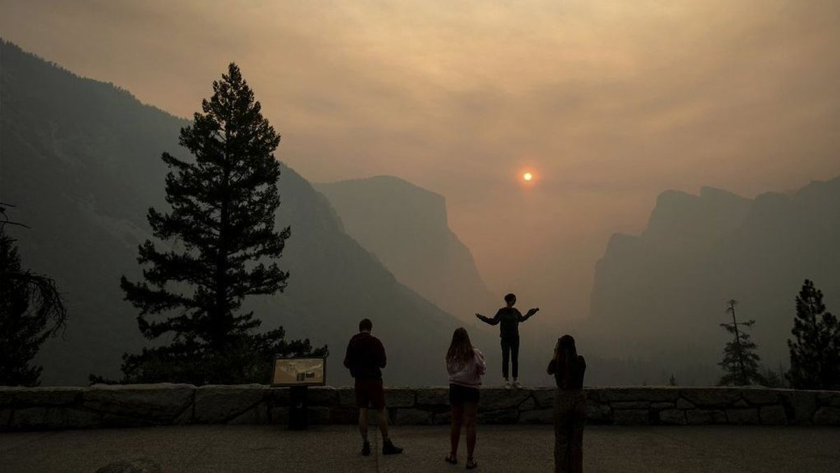Yosemite Valley is set to reopen as firefighters strengthen containment of the Ferguson fire https://t.co/MNWjqQcT0S