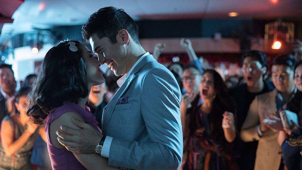 #CrazyRichAsians is looking like its going to be making crazy money at the box office https://t.co/pyE8udIVPy https://t.co/AMBhGJvwjx