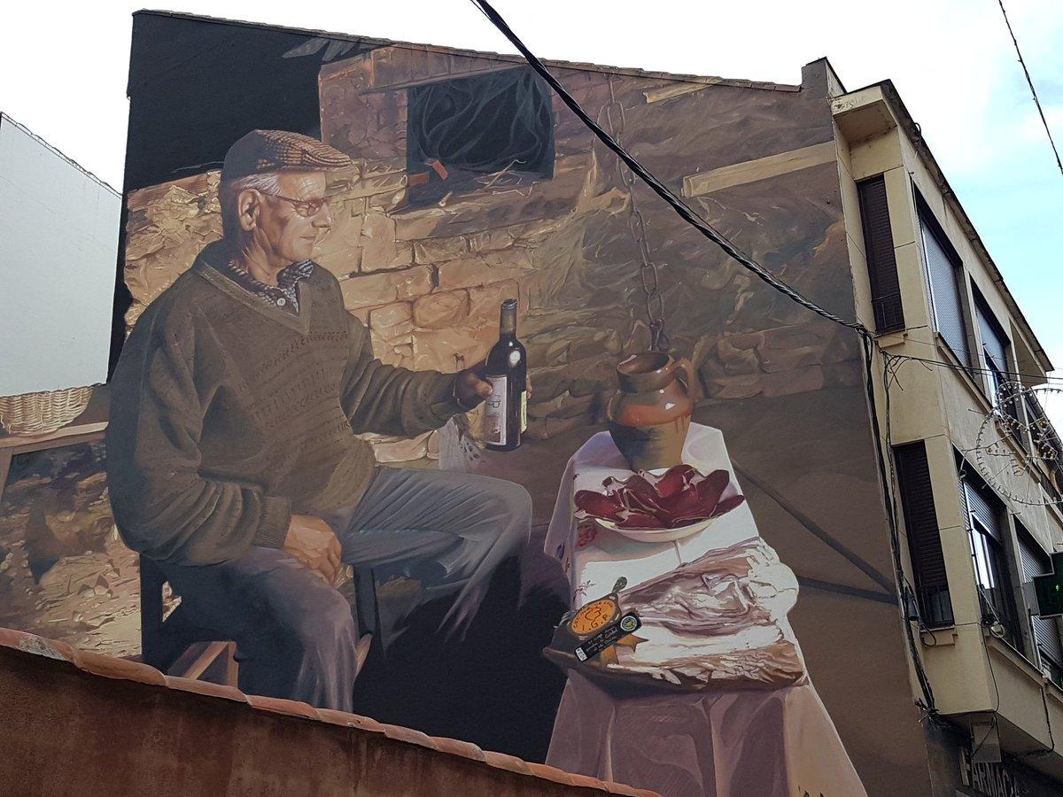 Great wall by Spanish artist Dadospuntocero in Astorga, Spain  #streetart #urbanart #arteurbano #artecallejero #artderue #arturbain #dadospuntocero #astorga #spain #artist #mural #граффити    via Pinterest |  https:// goo.gl/ew2XsP  &nbsp;  <br>http://pic.twitter.com/VK8oPKA31v