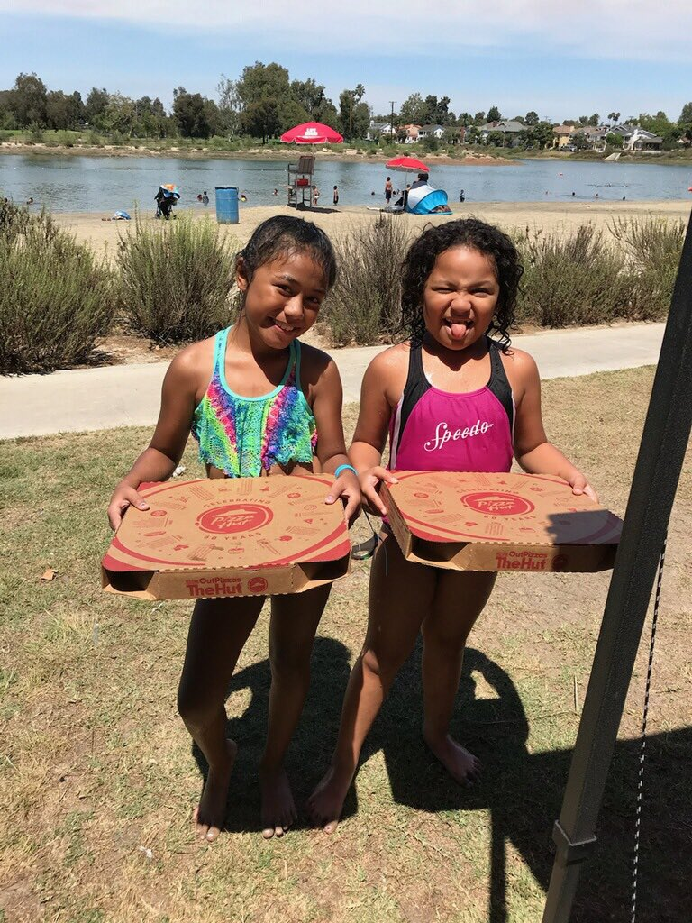 Thank you @PizzaHut for hooking up my lil sis with her pizza party!! 🌊 🍕