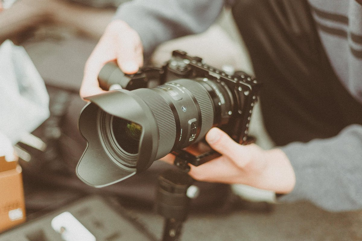 Video content continues to grow as the newest marketing trend.  About 90% of customers say that videos have been helpful during their buying experience. Would you incorporate it in your business? Read more:  https:// shutr.bz/2AYqWfs  &nbsp;     #KeepItGrowing #VideoContent #VideoMarketing<br>http://pic.twitter.com/7GZCcNvp4W