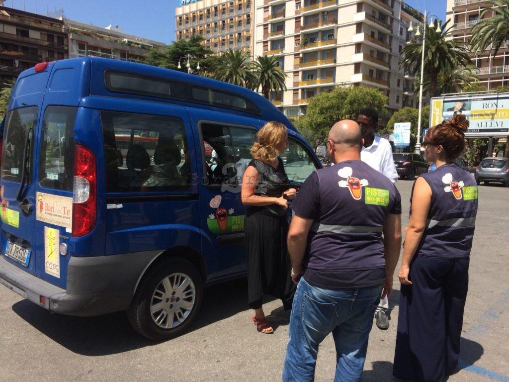 A #Bari a Ferragosto non si ferma la #Solidarietà: 200 pranzi al giorno per i #Poveri e attività per gli anziani soli https://is.gd/WIlxjv#Bottalico #Comune #Solidarietà  - Ukustom