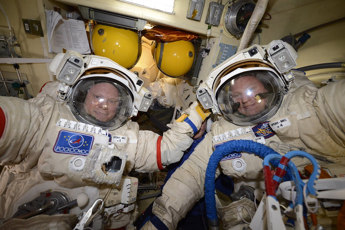 Tomorrow will be our spacewalk! We will toss four tiny satellites into space, install antennas and cables for the Icarus animal-tracking experiment and collect exposed science experiments. Do not forget that live broadcast will be available on the website of Roscosmos <br>http://pic.twitter.com/PRneQsX0kw