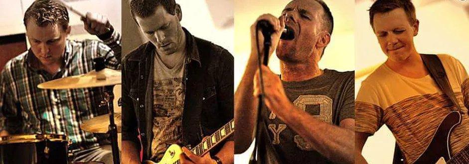 8 September 'LIVE' op het Kerkplein in Langeraar CCR Tribute Band 'UP AROUND THE BAND'  Toegang GRATIS 16.00 - 19.30 uur