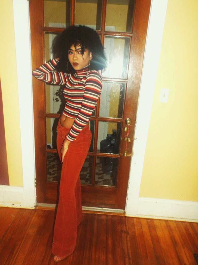 Bts: we goin  retro !!  Me, shimmying into my bell bottoms: BET <br>http://pic.twitter.com/j3goWiaakO