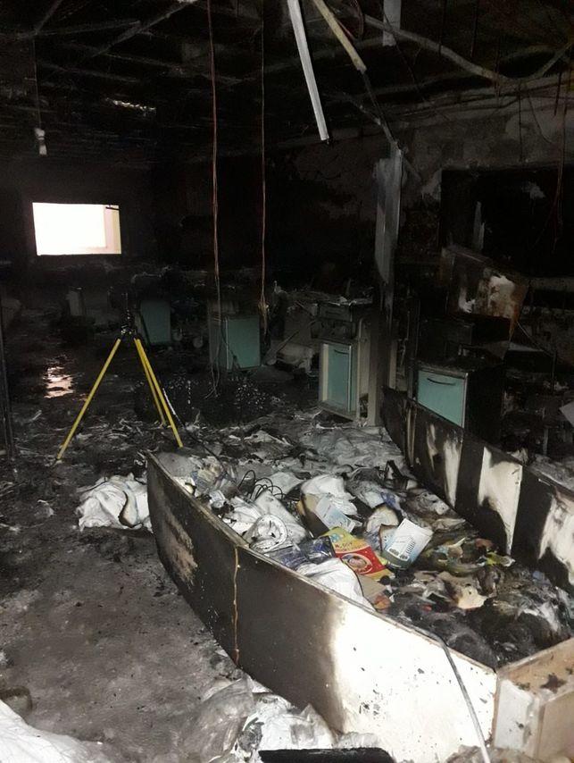 FOTOGALERÍA   Así quedó el Hospital de La Candelaria tras el incendio eldiario.es/tenerifeahora/…