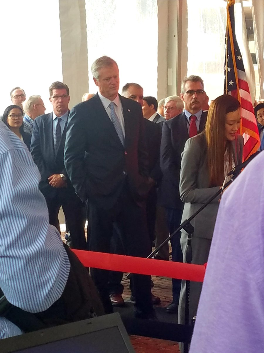 .@CharlieBakerMA has plenty of time for a #RedLine ribbon cutting but can&#39;t be bothered to take the @MBTA once.  Call 617-725-4005 and tell the Governor it&#39;s time he host a town hall meeting to explain what he&#39;s doing to fix the T.  Our commuters deserve answers.   #wherescharlie<br>http://pic.twitter.com/ITQXG1LwEX