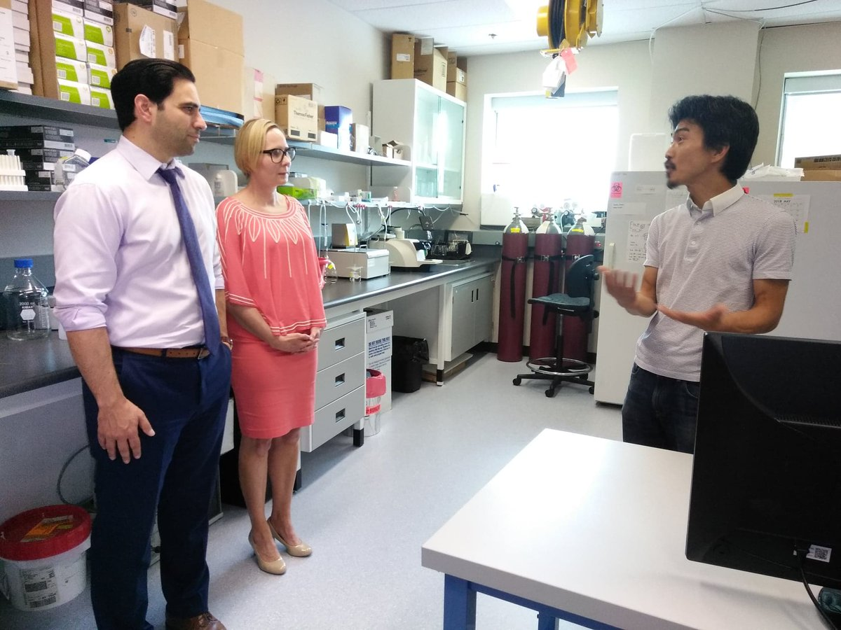 We want to thank @pfragiskatos for coming out today to see our mission in action. Excellent research being done regarding stress &amp; mental health by researcher Dr. Wataru Inoue #mhrc #MentalHealthMatters #WesternU #labtour #MentalHealth<br>http://pic.twitter.com/BLAyhK9bBa &ndash; à Robarts Research Institute