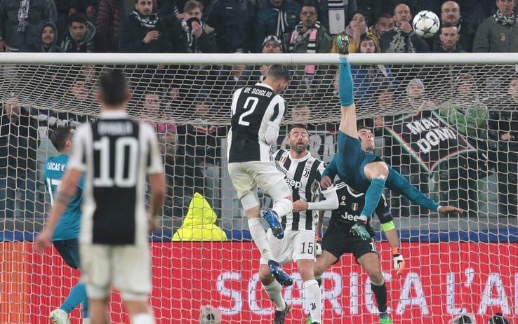 "#Uefa, premio ""#Goldellastagione"": anche la #rovesciata di #Ronaldo alla #Juve tra i #candidati  http://bit.ly/2Oyr5YS #CristianoRonaldo up for #goal of the #year  https://t.co/yCKJwSAGS8#CR7 #JuveReal #GolDellAnno #Juventus #RealMadrid #UCL  - Ukustom"