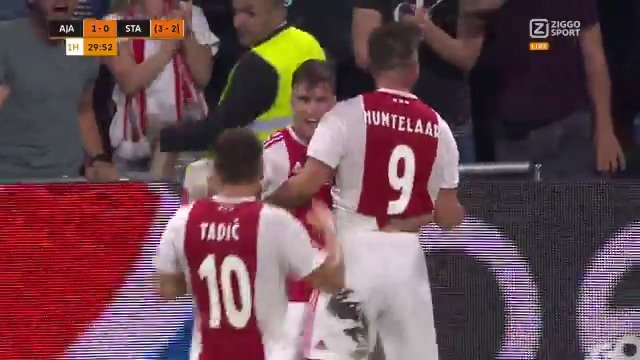 Ajax - Standard Luik: 1-0 door Klaas-Jan Huntelaar (Champions League-voorronde)
