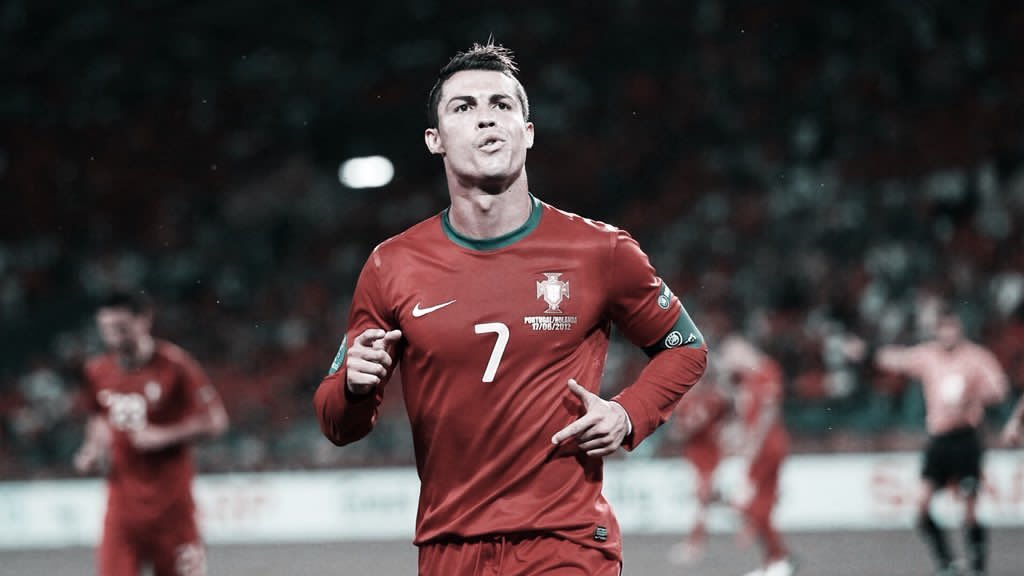 Messi retired from International football again? Not my goat <br>http://pic.twitter.com/D1rZJ2imdL