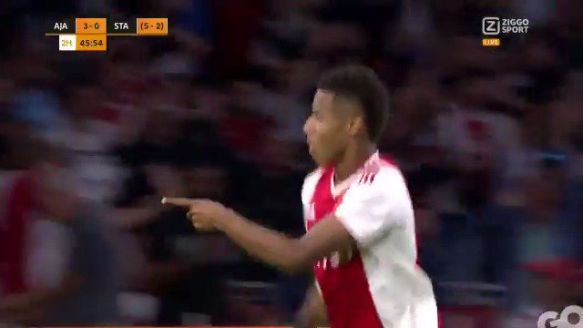Ajax - Standard Luik: 3-0 door David Neres (Champions League-voorronde)