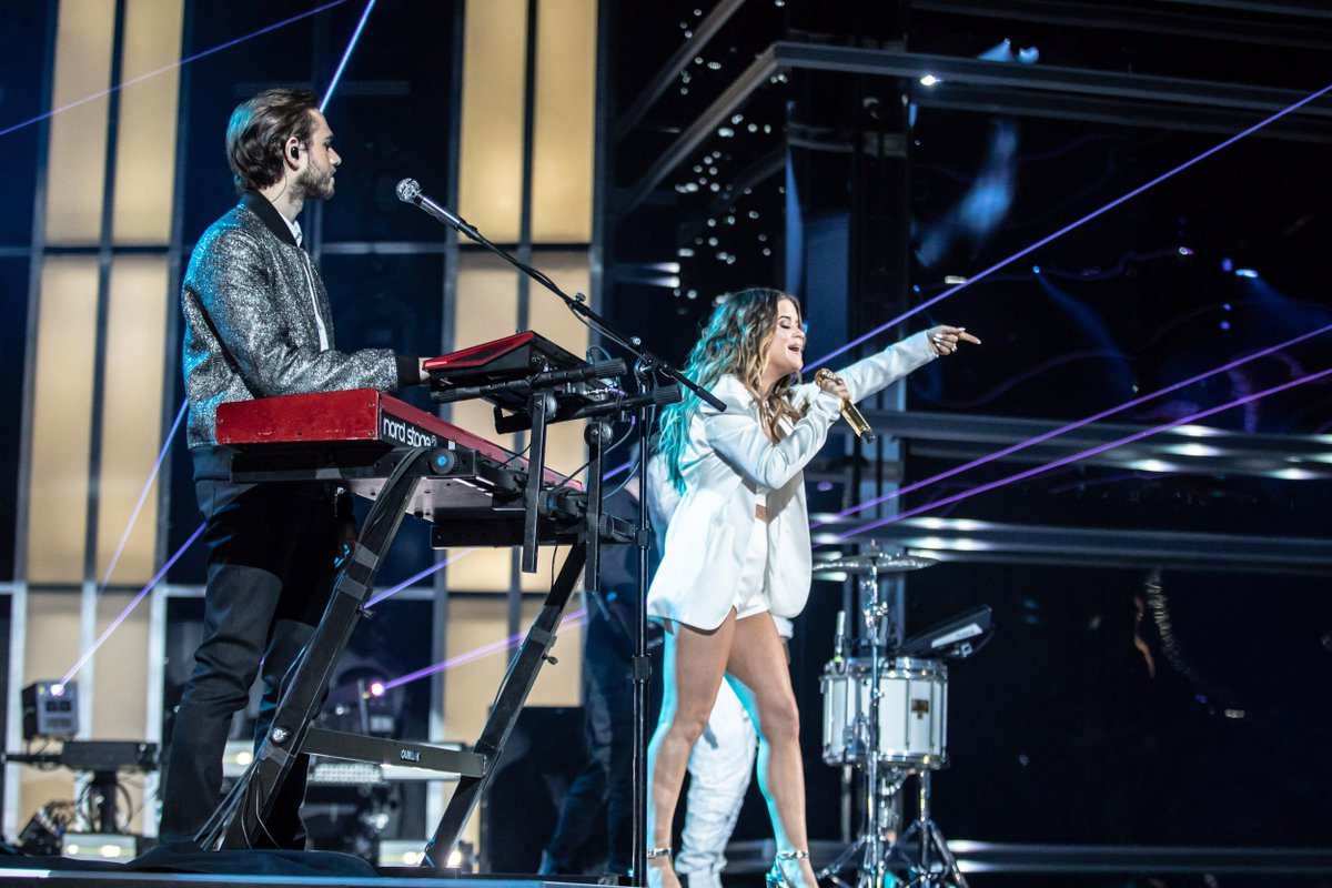 .@Zedd, @MarenMorris and @greymusique's 'The Middle' has broken the record for most weeks at No. 1 on the Hot Dance/Electronic Songs Chart 💥