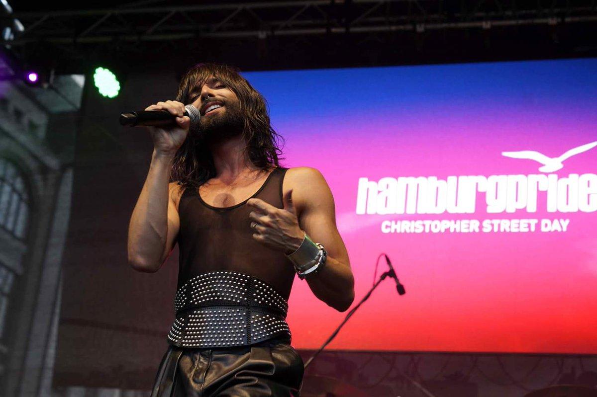 https:// youtu.be/dbIvzV2BRTQ  &nbsp;   3.8.2018 CONCHITA #HamburgPride #CSDHamburg #Conchita #ConchitaWurst #TomNeuwirth #theunstoppables pics (c) Stephanie Paepke /  https://www. facebook.com/hamburgpride/  &nbsp;     upcoming events &gt;  http:// conchitawurst.com/events/  &nbsp;  <br>http://pic.twitter.com/jaK0XBAmKU