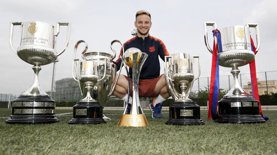 What makes you feel something like this and in a club like this?  Rakitic: &quot;Well I am very proud and very motivated to get more. Being part of the history of this club is the greatest that can happen to you and fills me with strength to continue fighting for each title [1]. <br>http://pic.twitter.com/51FtOtc9dF