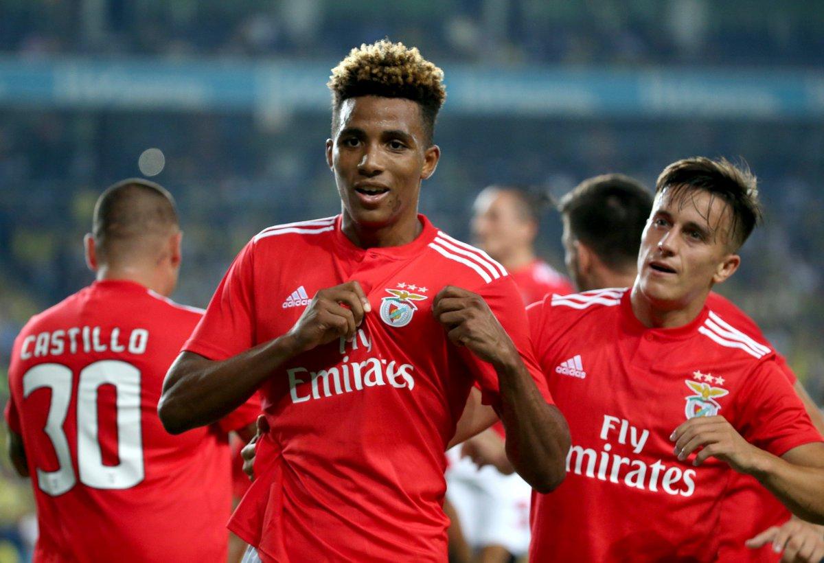 Celebración de un tanto del Benfica.