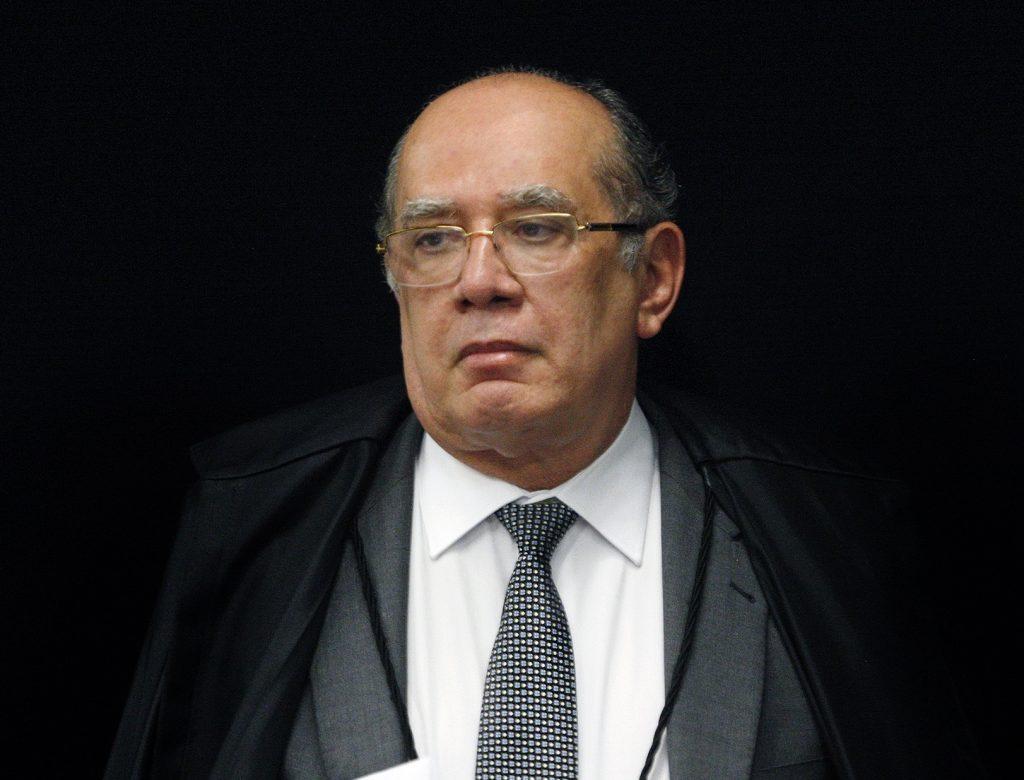 Gilmar: juízes querem ser Moro e precisam de psiquiatras, não de corregedores. Em debate sobre Carne Fraca, ministro disse que STF, ultracauteloso, foi induzido a erro pelas 'mãos bêbadas de Janot' https://t.co/LoOUnXZ2XR