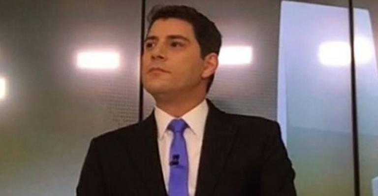 Fora da Globo, Evaristo Costa desabafa sobre detalhe desagradável de seu tempo como jornalista  Confira--> https://t.co/Xb9NgBd2Jb