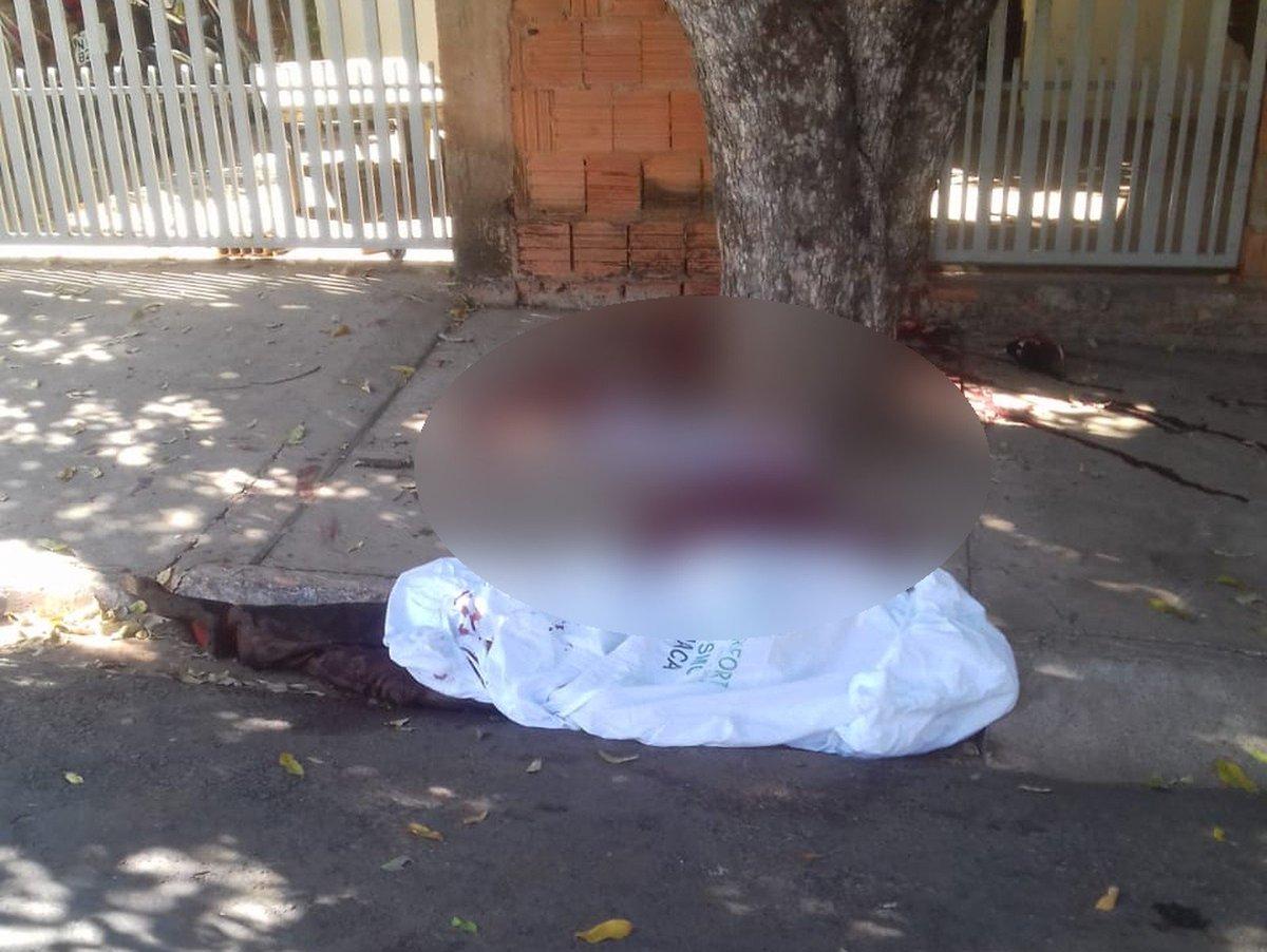 Adolescente morre em MT após atirar na própria perna ao guardar arma na cintura https://t.co/EFfitfMHiU #G1 #G1MatoGrossoMatoGrosso
