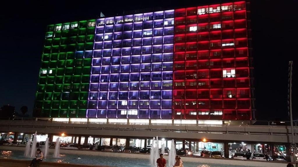 """A Tel Aviv il Comune illuminato col tricolore: """"I nostri pensieri e le preghiere per Genova"""" https://t.co/7E6nLkaFzc"""