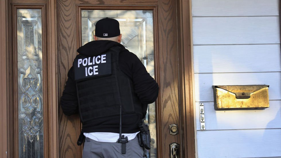 ALCU: Feds are entrapping migrants trying to become legal residents and deporting them https://t.co/UXI8puz3pf https://t.co/xjIxtLHLNL
