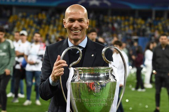 Reports going round that Zinedine Zidane wants to become the next Manchester United manager. Would you want him to take over at the end of the season or should Mourinho see out his contract? #mufc    Retweet- Zidane 🇵🇹