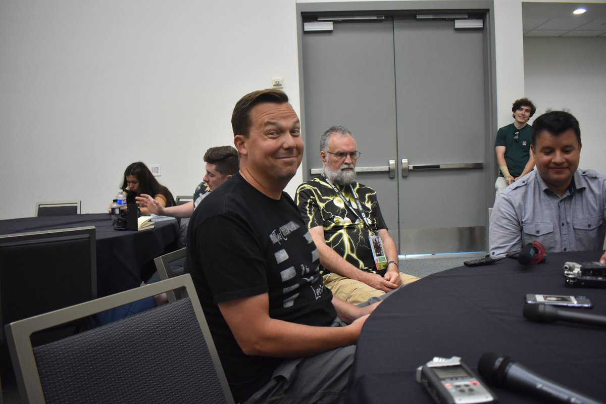 NEW special episode!! Our press round table at @Comic_Con with @ImageComics creator @Remender about @DeadlyClassSYFY !! Check it out, give it a listen, tell a friend!  @podernfamily #podenfamily #TOTLB #outsidelongbox #ComicCon #ComicConInternational   https:// totlb.com/podcast/totlb- s13-rick-remender/ &nbsp; … <br>http://pic.twitter.com/Be0hqZxCkm