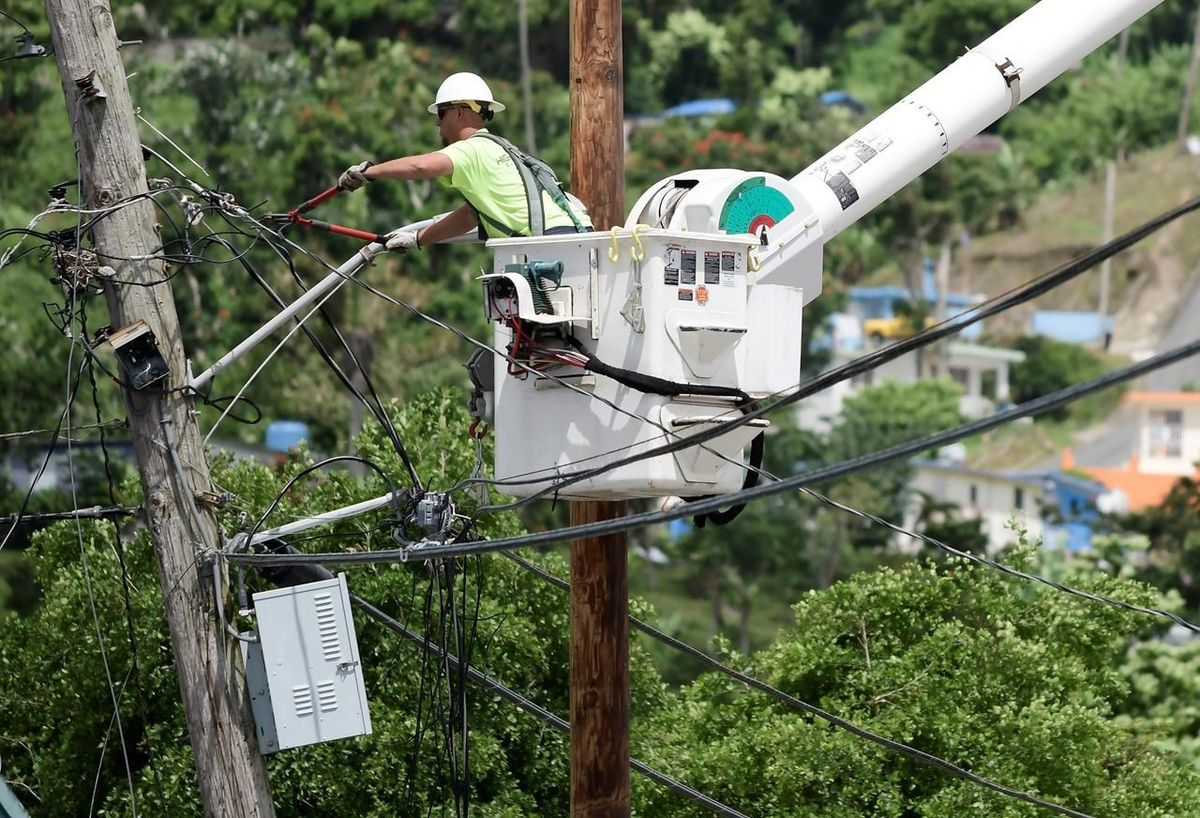 Power restored to all of Puerto Rico nearly 11 months after Hurricane Maria: officials https://t.co/SMITkLUPxG
