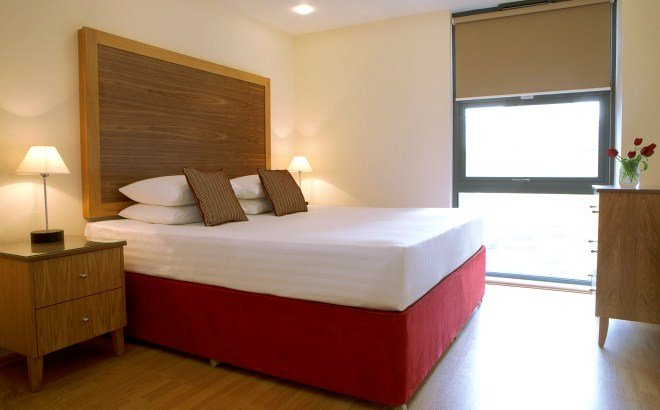Stay in our contemporary #servicedapartments in Canary Wharf- Near transport  http:// goo.gl/Vn9bif  &nbsp;   #businesstravel<br>http://pic.twitter.com/f2t4uBXqj9