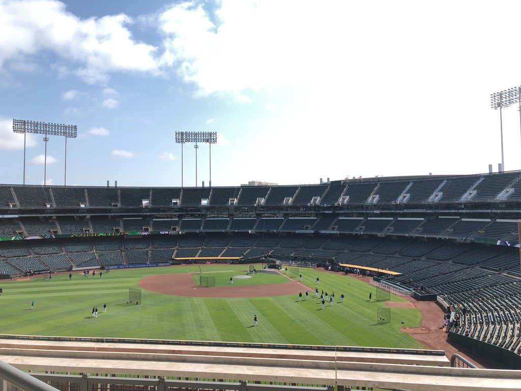 Beautiful view from the Treehouse. There's nothing quite like the Coliseum #HomeAwayFromHome #RootedInOakland  <br>http://pic.twitter.com/FnFyqF112X