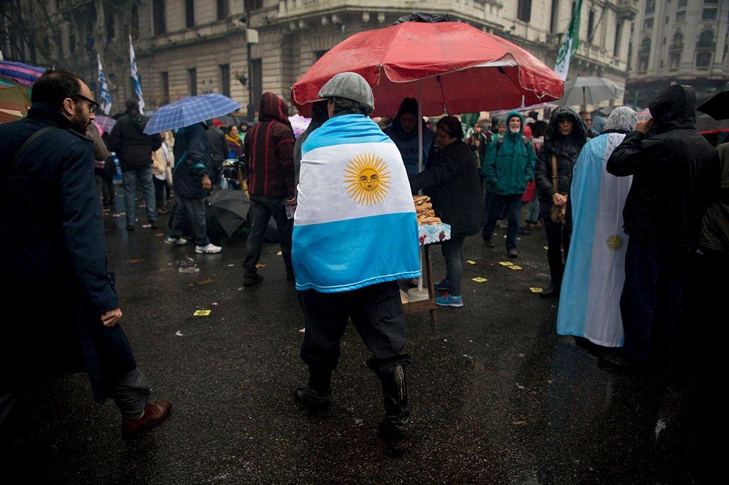 ¿Cómo afecta la crisis económica a los argentinos?   https://t.co/yVbEB4JAM2 https://t.co/zouFHxl0em