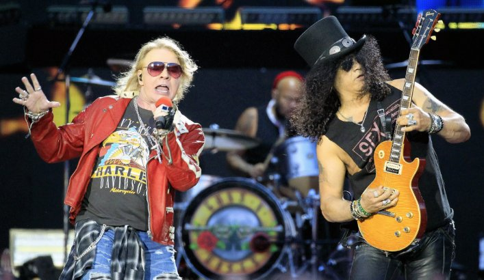 Slash finally opens up about the Guns N' Roses reunion, sobriety, his new solo album and more https://t.co/sVX8MwrOgq