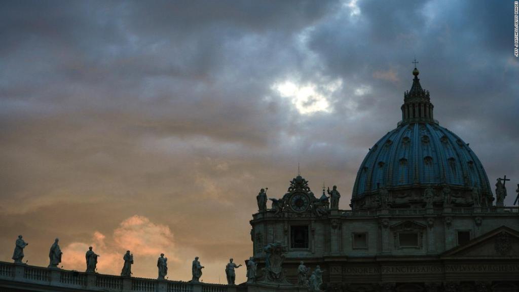Más de 300 sacerdotes católicos abusaron sexualmente de más de 1.000 niños y niñas en Pensilvania, según informe judicial https://t.co/jAcy0xKnAT