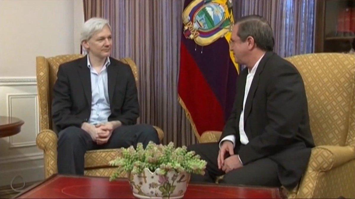 Mueller Probe: Subpoens for Wikileaks-Trump Campaign Connection Expected (VIDEO) https://t.co/fhRcgdJfjk  @scottienhughes #MitchCaesar @SteveMTalk   #Mueller #Wikileaks #Assange #Trump #MuellerInvestigationI#RogerStonen#HillaryClintonvestigation