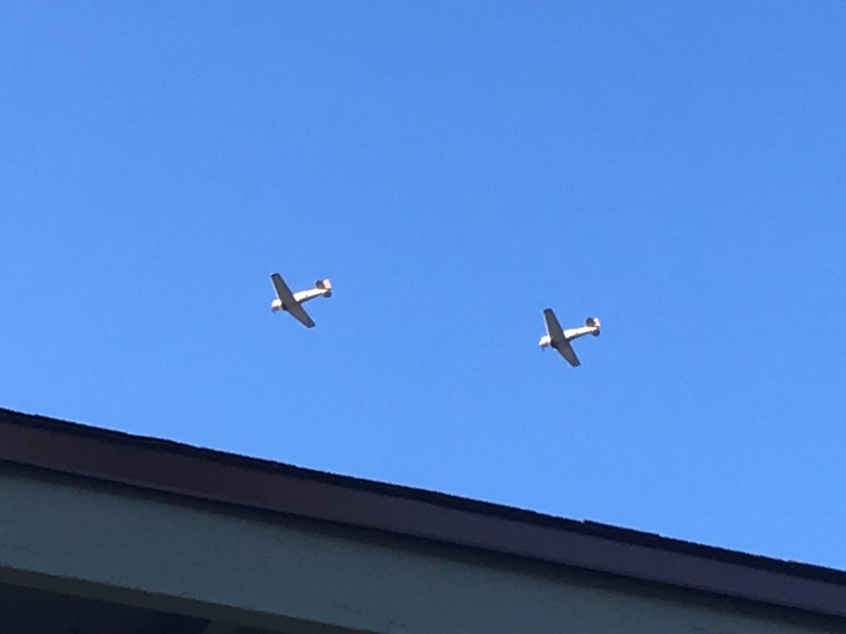 Nice evening for a flight! @CondorSquadron just passed over Reseda <br>http://pic.twitter.com/bEKu9sq0Nb