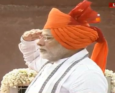 #IndiaIndependenceDay - Modi unfurls the Tricolor flag at Redfort and address the Nation