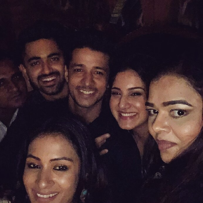 Avni Ayesha partying with husband and family without the jungle ka bacha and her mum rising from the dead it&#39;s what she deserves  <br>http://pic.twitter.com/T9RYHTFw2K