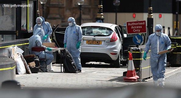#UltimOra Auto contro Westminster, sospetto terrorista si chiama Salih Khater, originario del Sudan #canale50 http://sky.tg/m8cyy  - Ukustom