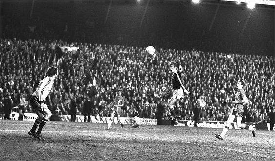 Kenny Dalglish scores for Scotland in a World Cup qualifier against Wales at Anfield. (1977) <br>http://pic.twitter.com/2ugO1Taqif