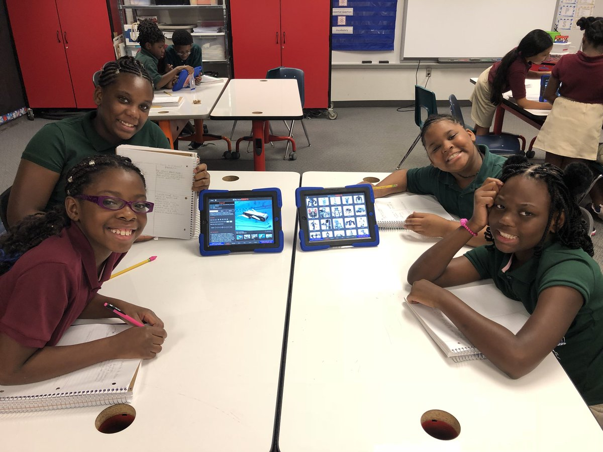 "Hillsborough County's only PLTW Elementary School. 5th graders investigate, ""What is a Robot?"" @AchievementSch @SDHCMagnet @palchaklaw @HCPSCommunity @HillsboroughSch @TampaBaySTEM @PLTWorg<br>http://pic.twitter.com/yOEAkr8kvc"