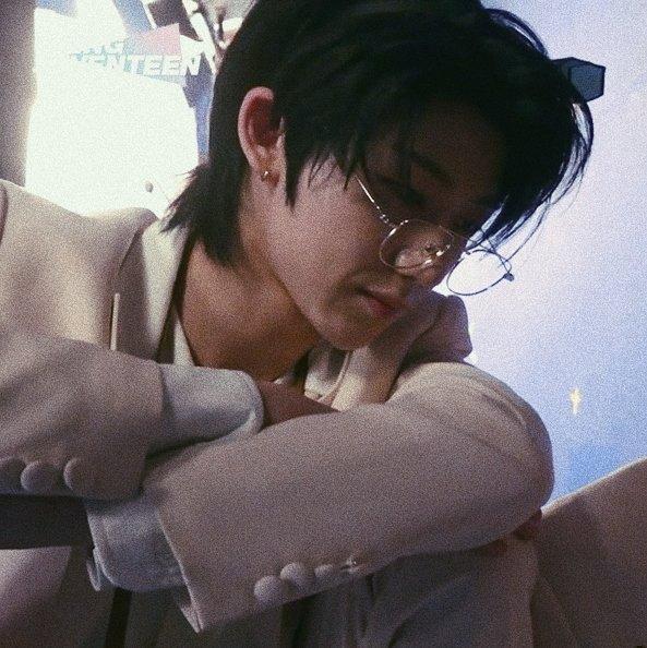 baby we love you  [ #minghaoisamazing #MINGHAO #徐明浩 ]<br>http://pic.twitter.com/LZoCObUcHs