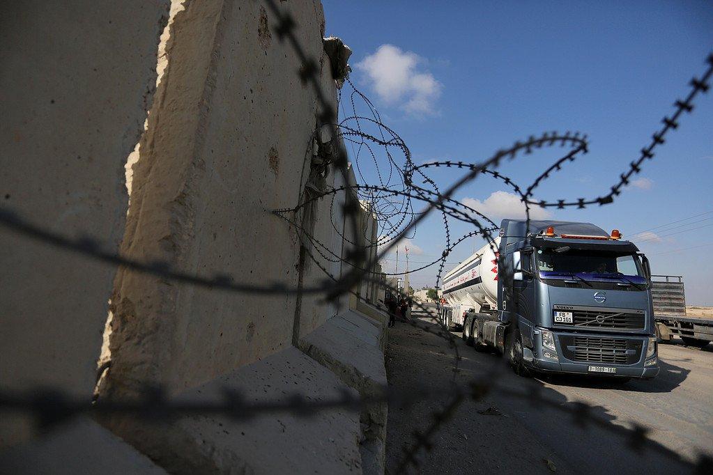 #Israele #Gaza Riaperto il valico di Kerem Shalom Stimati più di 700 camion passeranno il valico in questi giorni.  - Ukustom