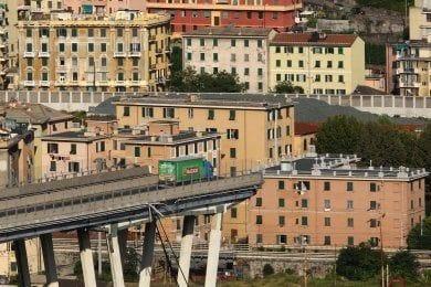 #AutostradeperlItalia #PonteMorandi #crollodelponte #BridgeCollapse #Revocatoria #concessione tutti i giorni milioni di automobilisti percorrono le #Autostrade più care d' #Europa - come è possibile che si tenga aperto un #ponte dopo tutte le criticita' segnalate? #Inconcepibile  - Ukustom