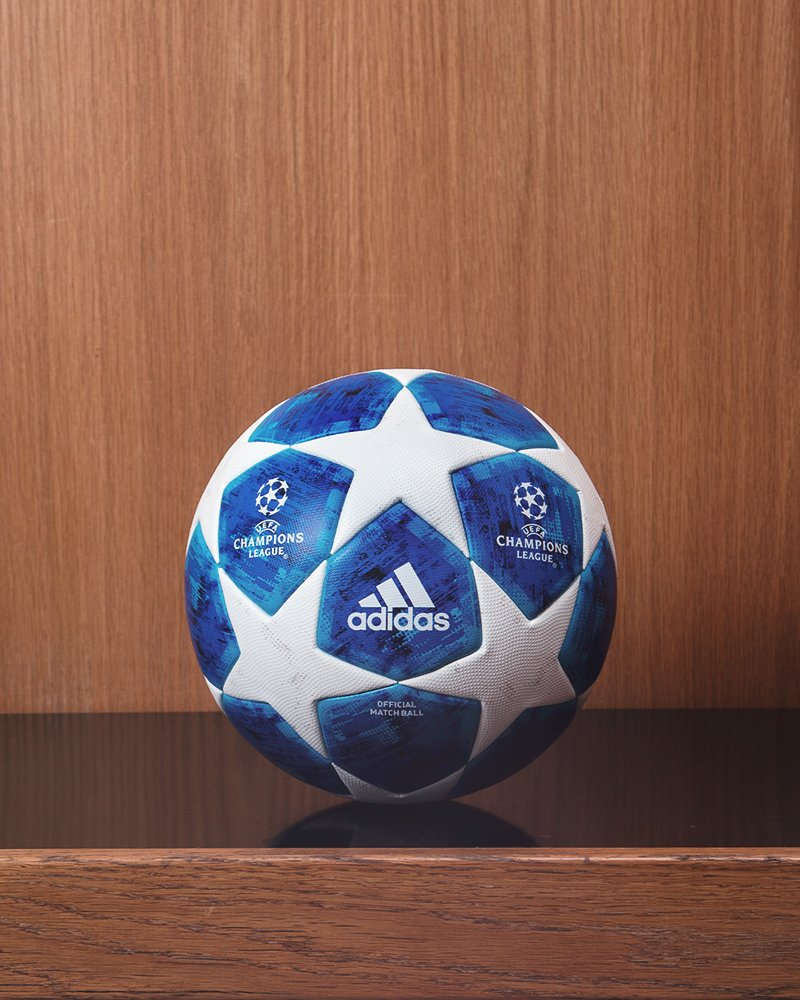Champions League Match Ball for 2018/19 season. <br>http://pic.twitter.com/IvWfPugDVy