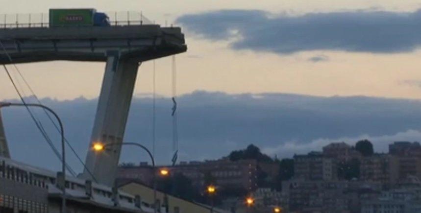 #Genova, #LuigiDiMaio contro #AutostradeperlItalia. Il vicepremier attacca la società che gestisce il Morandi. Il ministro dei Trasporti #DaniloToninelli: «Attivato procedure per eventuale revoca concessione e comminare multe fino a 150 milioni di euro» http://ow.ly/ZYeq30lpxAW  - Ukustom
